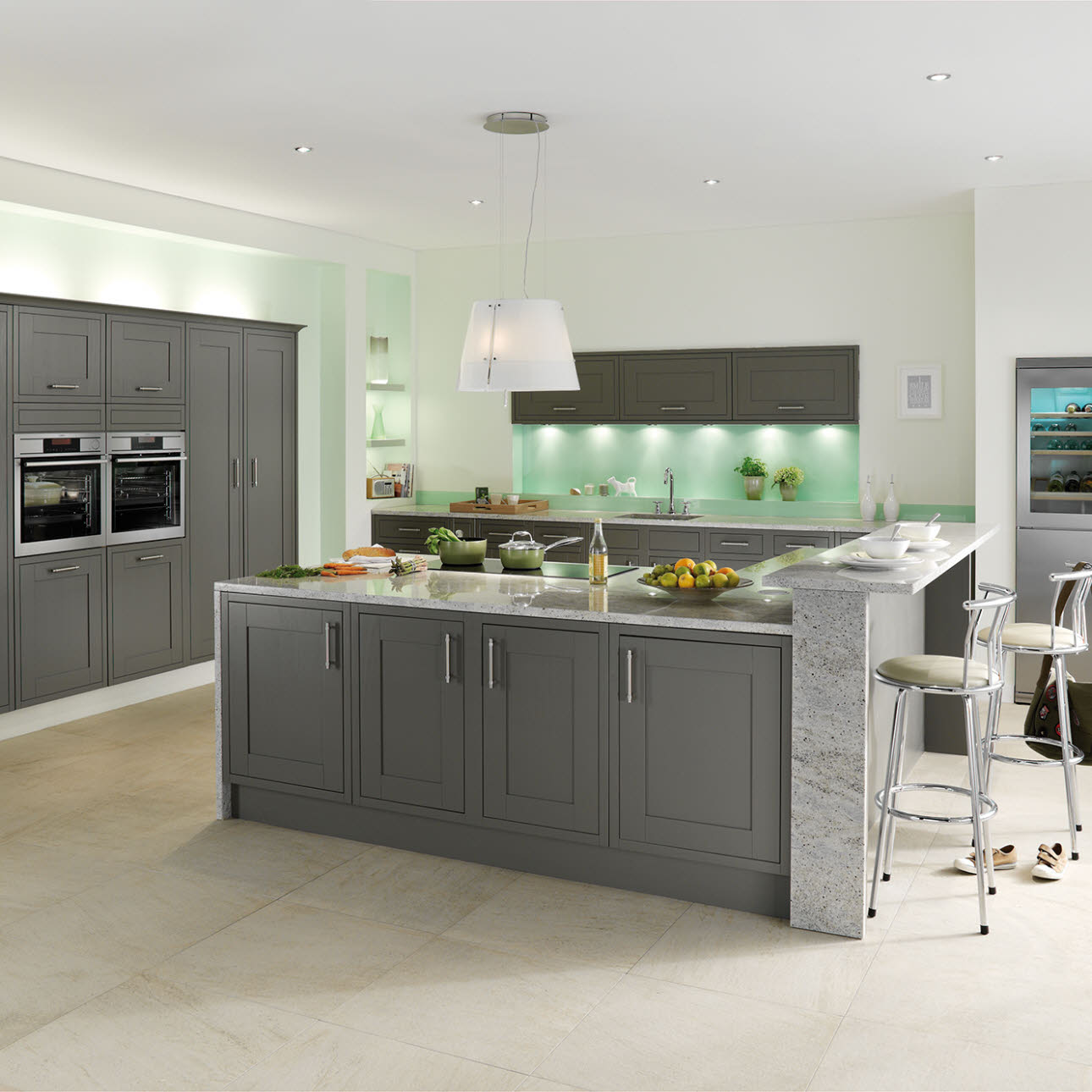 Studio grey kitchen style range magnet trade for Pictures for kitchen