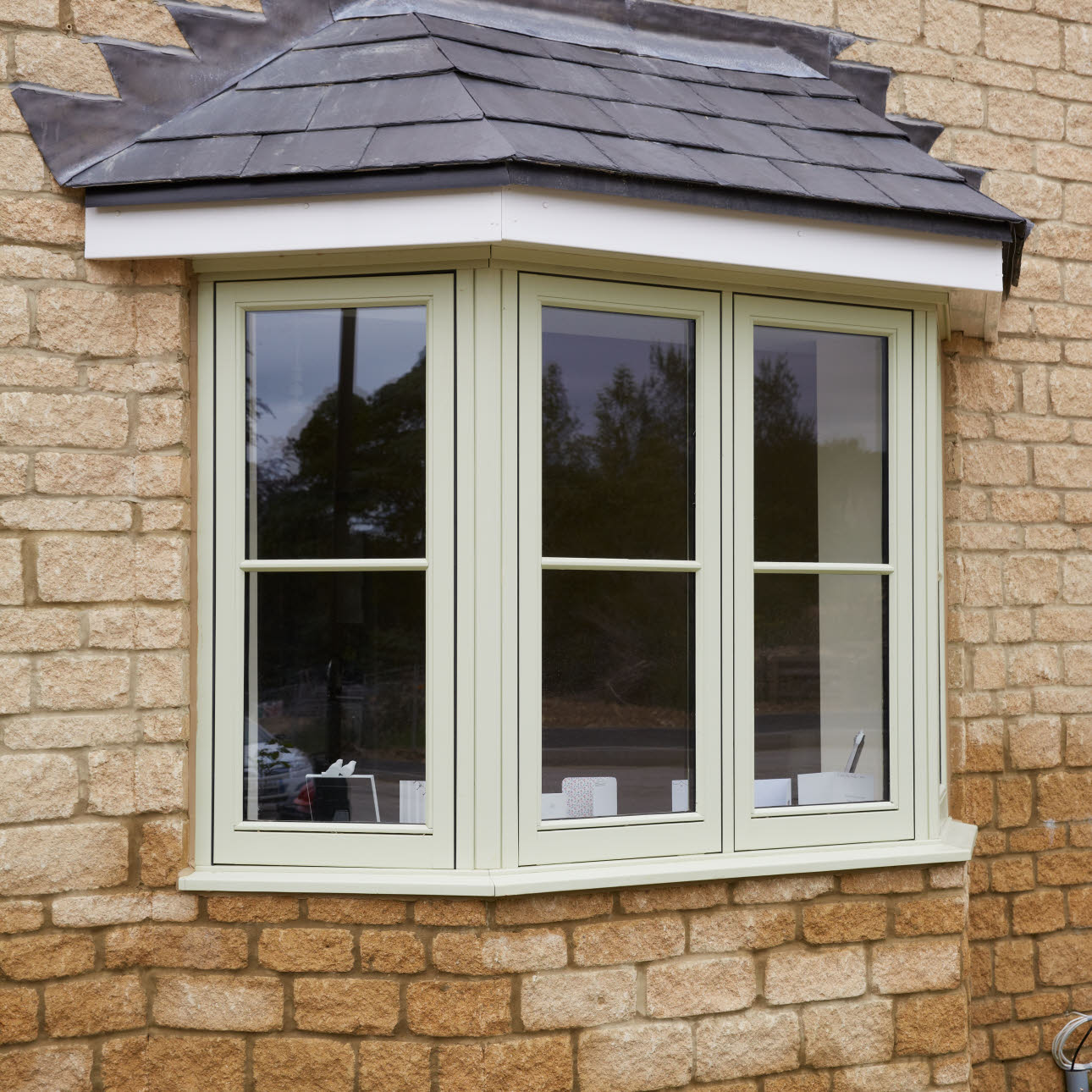 JELD-WEN Splay Bay, Elegance Casement, Horizontal Bar Timber Window