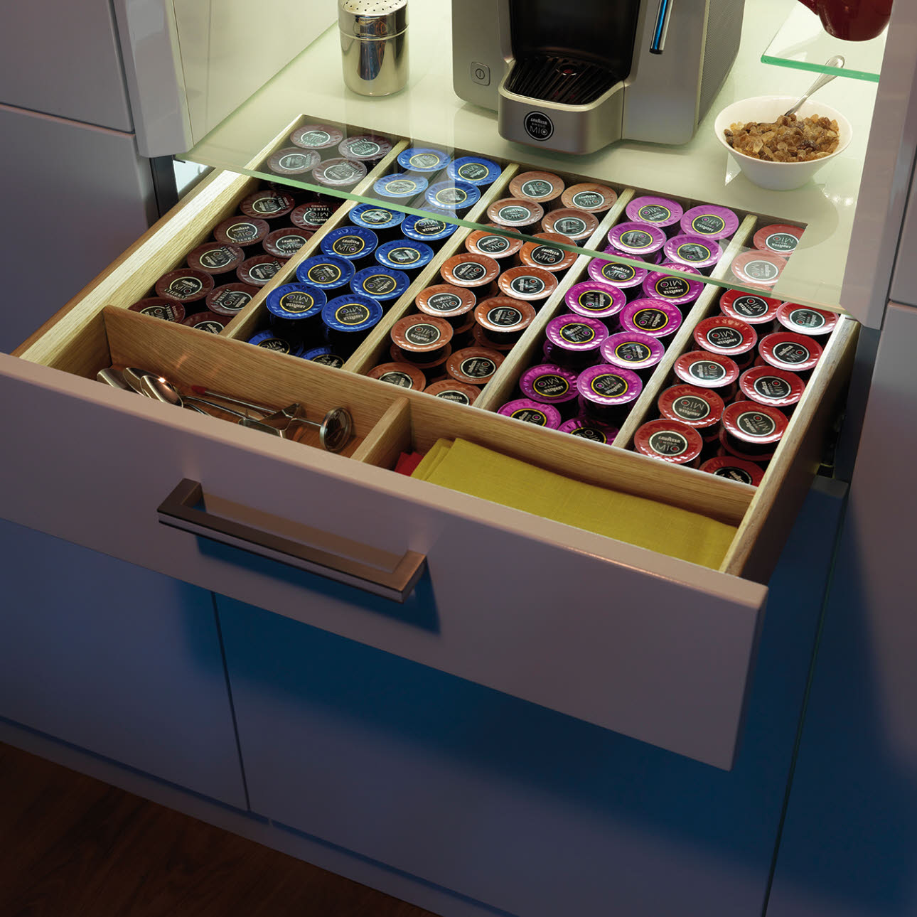 Magnet coffee unit drawer