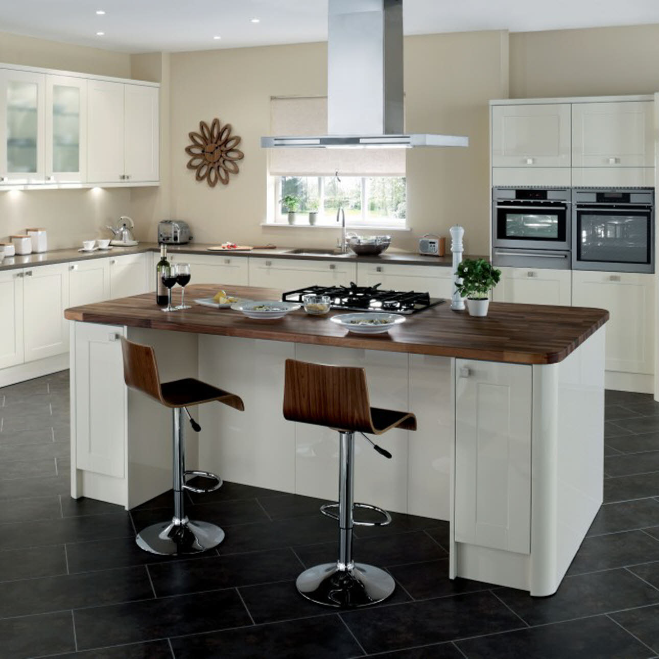 Leighton Gloss Cream shaker kitchen